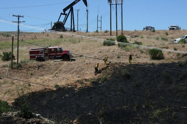 Vegetation Fire Held To 6 Acres In San Ardo Oil Fields