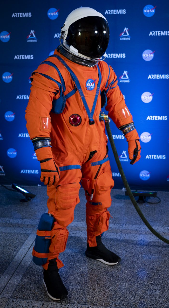 NASA Debuts New Spacesuits!  Orion Suit Equipped to Expect the Unexpected on Artemis Missions